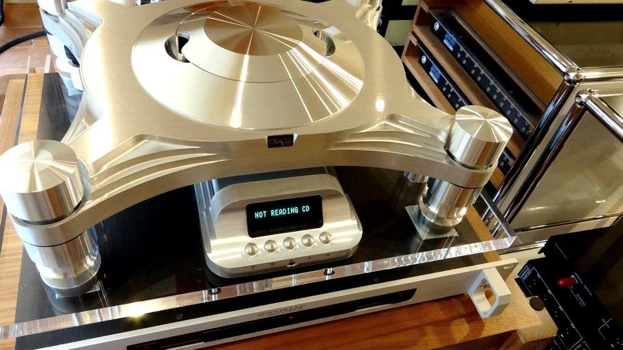 ORACLE CD2000 MK4 CD Transport&GOLDMUND Mimesis 10DAC