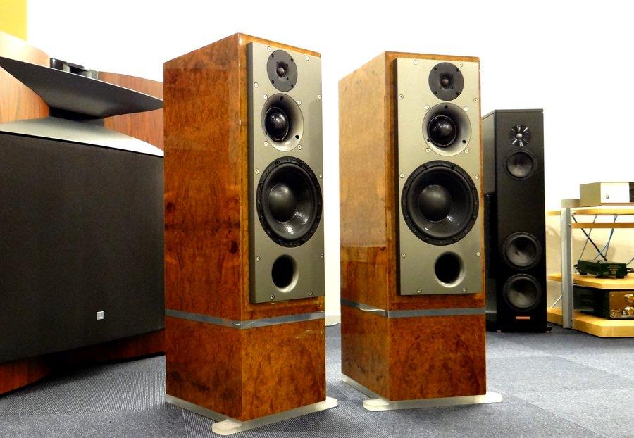 ATC SCM50Tsl mint speaker