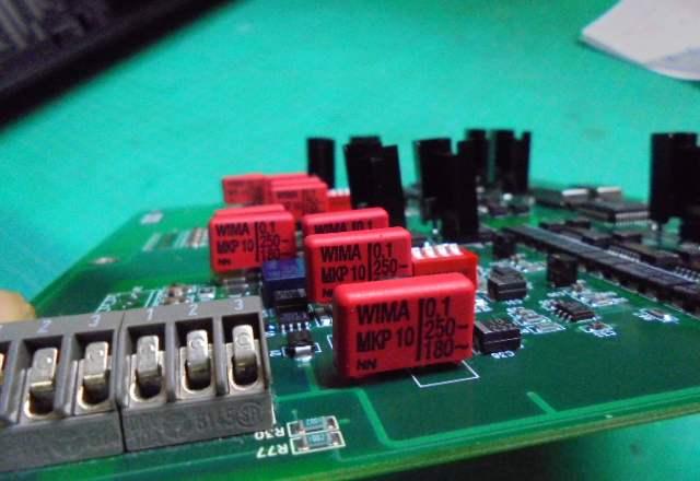 Wadia2000_アナログ部のフイルムコンデンサーをWIMA製に交換いたしました_1