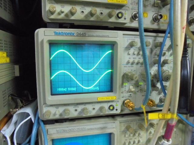PHILIPS LHH2000|1KHzの正弦波です。