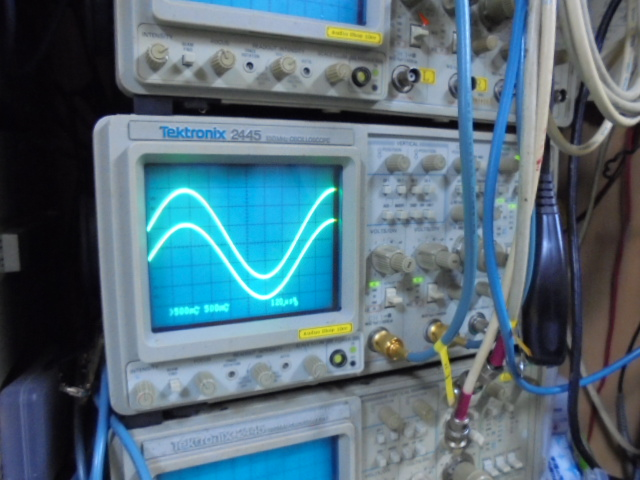 WADIA_21_1KHz_正弦波の波形
