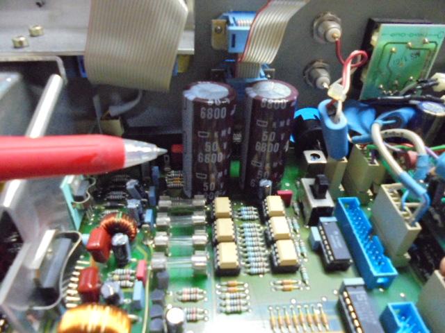 STUDER A730|電源部、4700μFと2200μF指定箇所に6800μFが2本取り付けてありました。