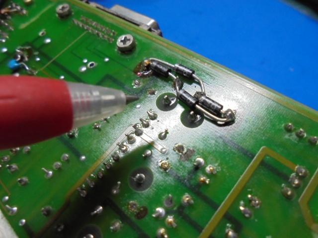 STUDER_A730_(遠藤様)ブリッジダイオードの裏にさらに整流ダイオードを取り付けてありました。