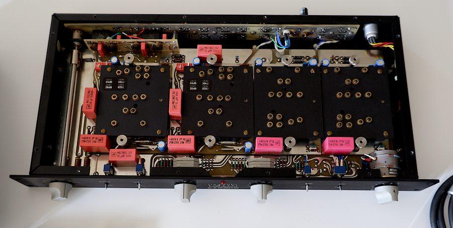 ■Mark Levinson ML7L PLS154 s/n. 0297 ■整備メニュー ・シャーシ洗浄 ・ボリューム分解整備(スペクトロール) ・電源部劣化パーツ、コンデンサー交換 ・電源部純正ブレーカースイッチ交換 ・切替スイッチ類接点クリーニング ・ラインアンプオフセット調整用半固定VR接触不良にて交換 ・出力DCオフセット再調整 ・バイアス再調整 ・スペックチェック ・動作チェック ※PHONO MM L2カード搭載 ■交換部品 個 数 4700μ35V-SPRAGUE 53D 2 68μF 25V-SPRAGUEタンタル 2 4.7μF 25V-SPRAGUEタンタル 3 220μF 63V-Vishay/BC 2 100μF 63VVishay/BC 10 10KPOT 半固定VR 2 電源部ブレーカースイッチ 1